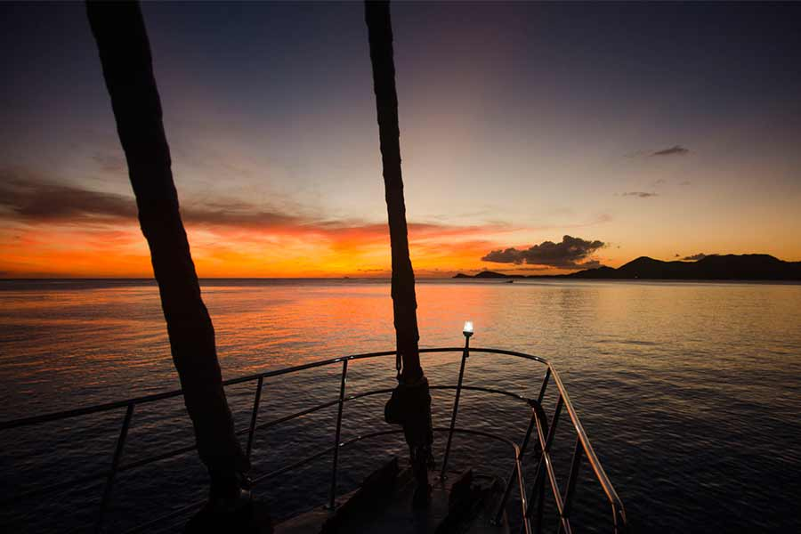 A sunset in the BVI shot from the scuba diving liveaboard Cuan Law