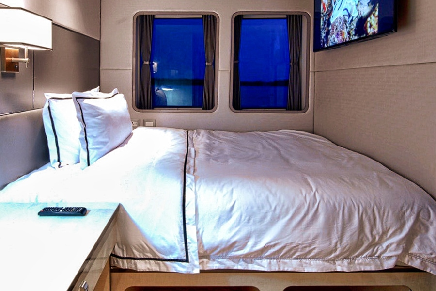 Signature single cabin on the indonesian dive liveaboard All Star Velocean