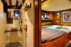 A double cabin on the dive liveaboard Aurora in Indonesia