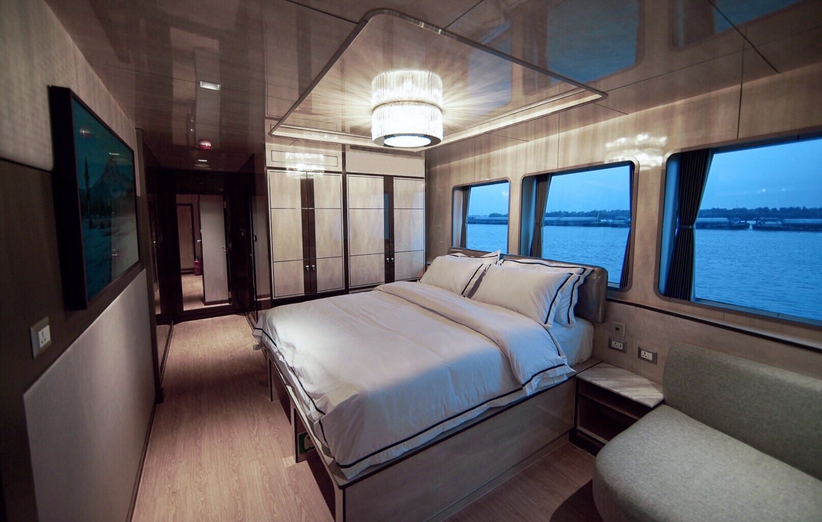 Platinum suite aboard luxury dive liveaboard All Star Velocean - Indonesia dive liveaboard