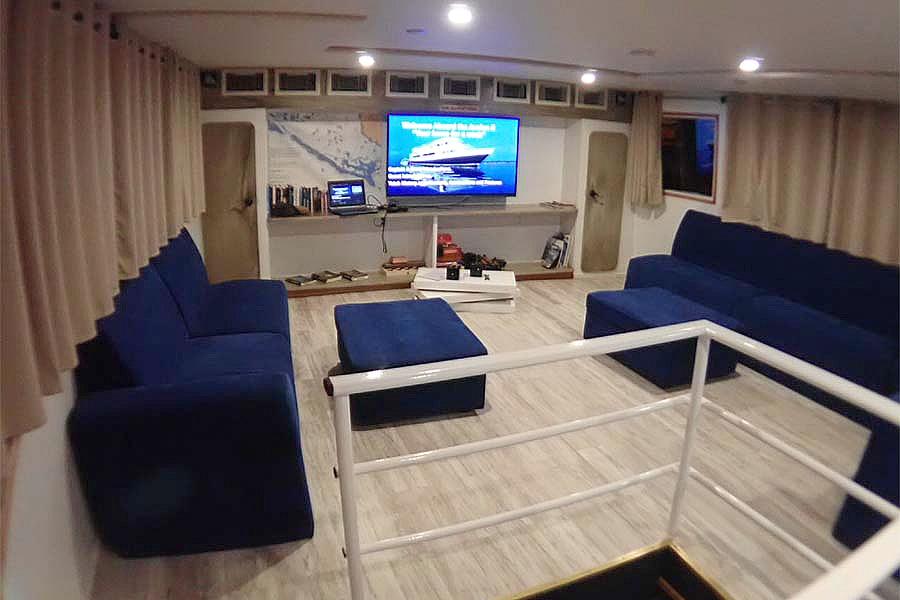 Dive liveaboard All Star Avalon II salon