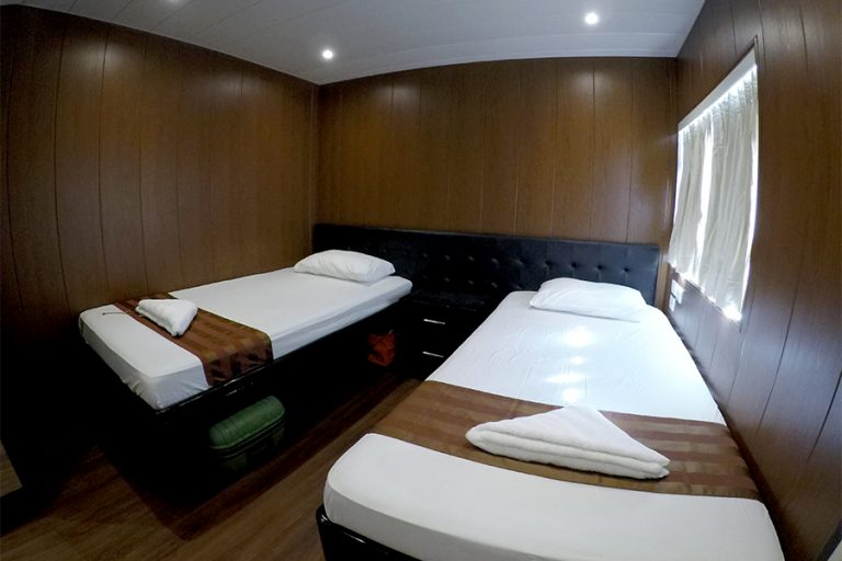 Twin cabin on the Philippine dive liveaboard All Star Infiniti
